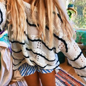 Black + White Hipster Cozy Oversized Sweater ✨